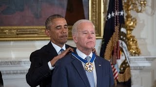 Video Obama Surprises Biden With Medal Of Freedom download in MP3, 3GP, MP4, WEBM, AVI, FLV Mei 2017