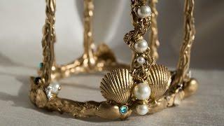 Come costruire una corona da sirena per cosplay.Perline, conchiglie, strass, lustrini, colla a caldo ... e fantasia!Realizzato da --  ♥ Nysha97 ♥  --Brano musicale:Kiss the Girl (Disney's The Little Mermaid) - POP PUNK/ROCK COVERhttps://www.youtube.com/watch?v=Aq2DQB73SgAcopyrights by Jonathan Young - YouTube channel:https://www.youtube.com/user/jonathanyoungmusic/featured
