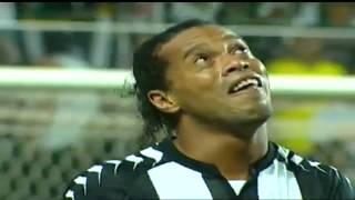 RONALDINHO GAÚCHO GOLAÇO! [AMAZING GOAL] Ronaldinho scores a great goal and cries.