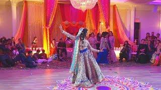 Bride's Surprise Mehndhi Wedding Performance