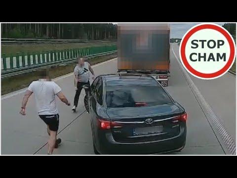 Wyhamował ciężarówki na autostradzie A4 – kierowcy TIRów nie pozostali mu dłużni