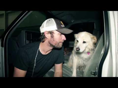Dierks thanks his fans for helping find his dog Jake