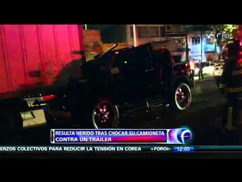 Lujosa camioneta Choca vs Trailer en Av. Cien Metros, DF.  Marzo  /  2013
