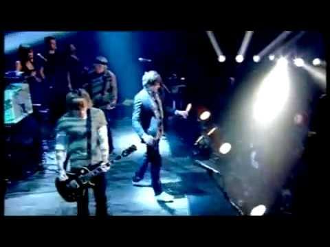 Tekst piosenki McFly - Black or white po polsku