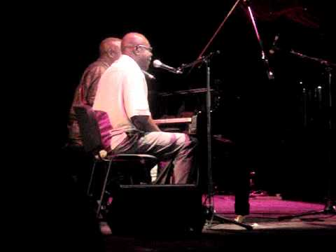 Manu Dibango and Ray Lema piano duet.MPG
