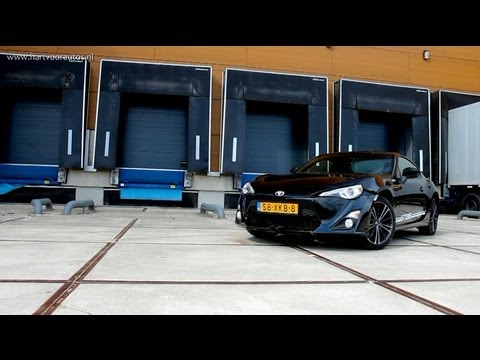 Toyota GT86 Review - English Subtitled - www.hartvoorautos.nl