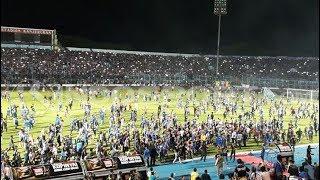 Video Arema Dikejar Polisi Di Stadion Kanjuruhan Malang MP3, 3GP, MP4, WEBM, AVI, FLV Januari 2019