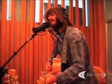 Angus & Julia Stone - Angus and Julia Stone Performing 