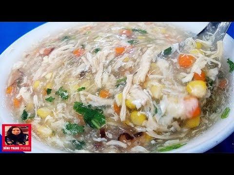 Comida vietnamita: sopa de galinha