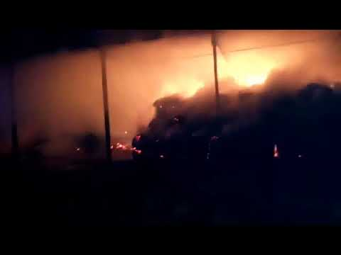Wideo: Pożar magazynu koło pałacu w Wierzchowicach