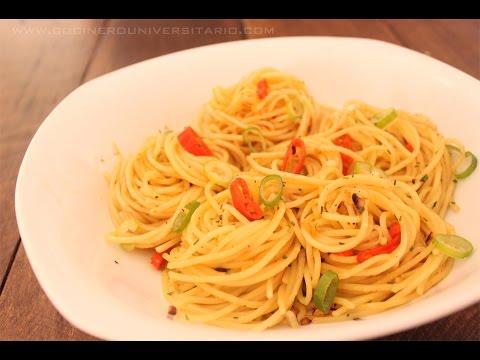 Espaguetis Picantes y chile fresco