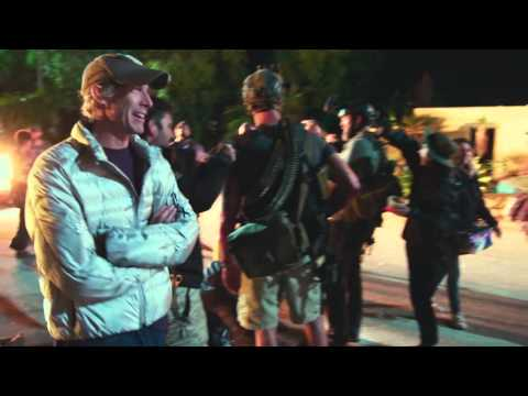 13 Hours: The Secret Soldiers of Benghazi (Featurette 'Bay as the Director')