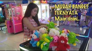 Video Mudahnya Main Capit Boneka di Timezone Emporium Pluit Mall Jakarta MP3, 3GP, MP4, WEBM, AVI, FLV Januari 2019
