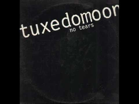 tuxedomoon - Thee Killer Tune, off their second single. Just because this had to be on my page. In fact, one of the best