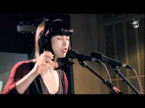Kimbra - 'Two Weeks/ Head Over Heels'