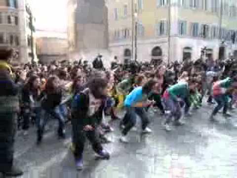 Prima mobilitazione nazionale della danza con Flash Mob davanti Montecitorio