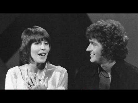 Tekst piosenki Helen Reddy - I Believe In Music po polsku