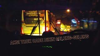 Download Video Olahraga Malam Truk Cabe Balap (Stut Jack) vs Bus Sugeng Rahayu MP3 3GP MP4