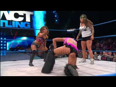 Knockouts Title Match  Velvet Sky vs  Mickie James   June 27, 2013   YouTube