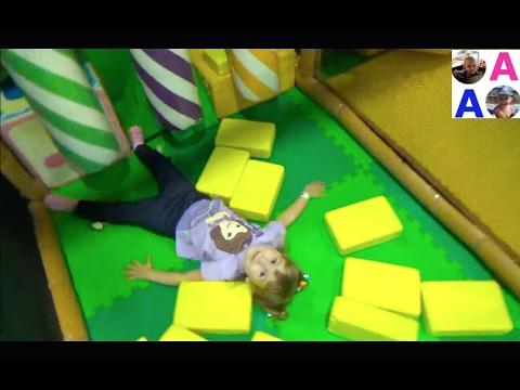 Детская Игровая Комната Развлечение для Детей Горки Лабиринт Fantasy Park (видео)