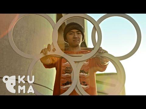 juggling - Subscribe! http://bit.ly/1tLVDYk Like us on Facebook: www.facebook.com/KumaFilms Follow us on Instagram: @KumaFilms Feat. Ian Jenson - contact juggling, figu...
