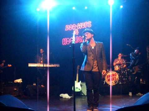 Bruno Mars - Just The Way You Are - Doo-wops & Hooligans Tour - KoKo 13.03.11
