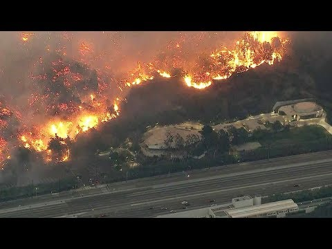 LA Fire Next to 405 Threatens Getty Center & Bel Air Near UCLA - LIVE COVERAGE