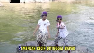 download lagu download musik download mp3 LAGU LAWAK JAMBI - MADON FEAT PADLA  -  CALANO KUYAK ( Part 1 ) - Official Music Video - APH