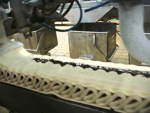 製作冰淇淋蛋糕超療癒的製作過程一次過讓大家看個夠,但是最後的畫面....