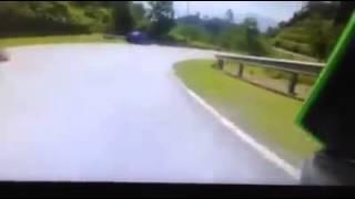 kemalangan maut Kawasaki Z800 dan KTM Duke 200 di Bukit Tinggi baru2 ini