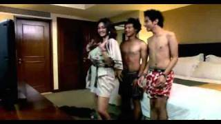 Download Video Arisan Brondong clip6.mpg MP3 3GP MP4