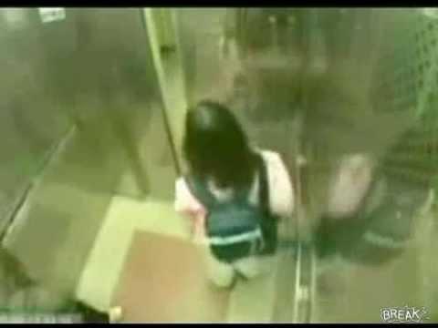 變態想要侵犯小女孩,卻反被小女孩瞬間打倒在地!!
