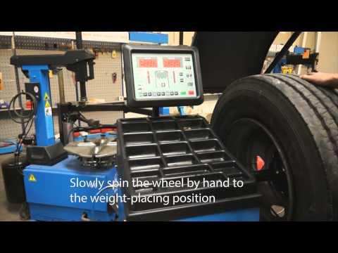 Avtomatska centrirna naprava za tovorna vozila STD-462