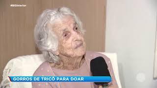 Solidariedade: há seis anos idosa produz gorros que são doados
