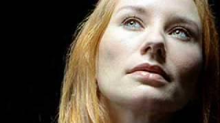 Tori Amos - Hurt/Caught a Lite Sneeze (Dew Drop Inn '96)