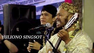 "Video Yuliono Singsot ""Aku Tanpamu Bagaikan Ambulance Tanpa Uwieew-uwiieew"" Hibur Jamaah Ora Aji MP3, 3GP, MP4, WEBM, AVI, FLV November 2018"