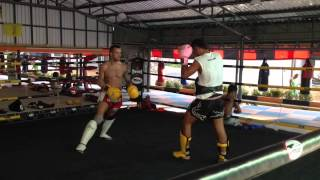 Wojtek sparring in Thailand