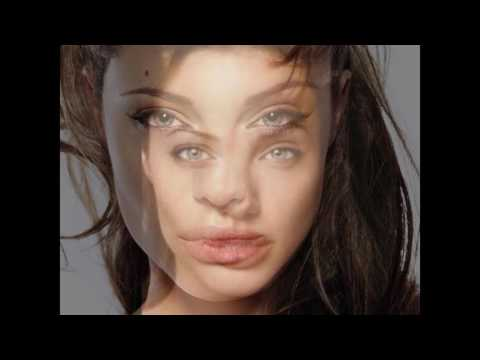 Video Angelina Jolie Shows off Her Sexy Lips download in MP3, 3GP, MP4, WEBM, AVI, FLV January 2017