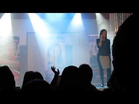 Monique – Pienk Champagne (Live)