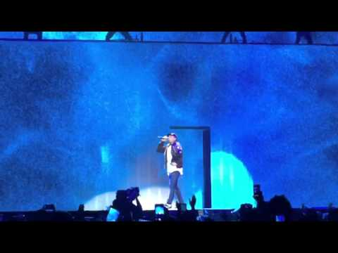 "Chris Brown Live ""X"" Full Performance"