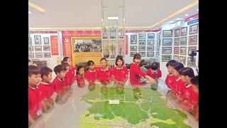 Học sinh Trường Tiểu học Lê Lợi hào hứng tham quan Nhà truyền thống - Thư viện thành phố