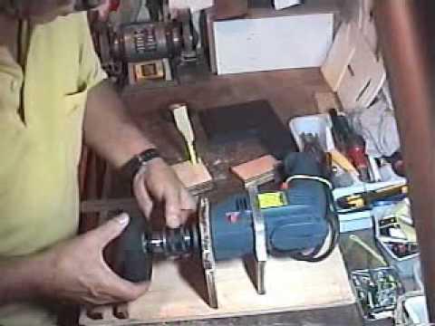Ferramenta caseira para fabricar rodas de aeromodelos (tool to make model aircraft wheels).wmv