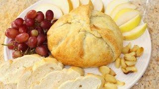 Gebakken brie in bladerdeeg met ui en appel