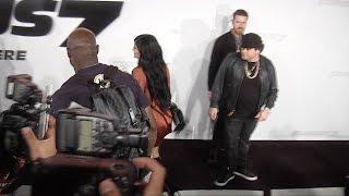 Nonton Kylie Jenner Avoids Posing for Photogs