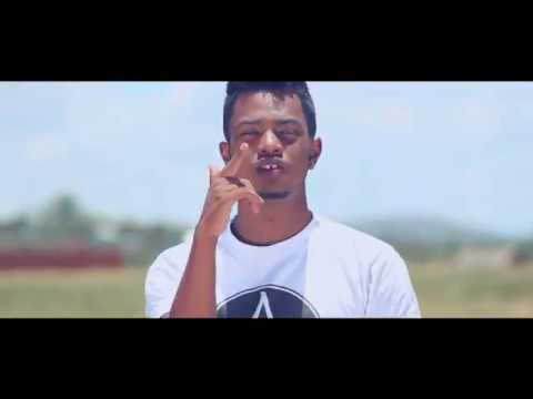 Video SIMS - Tiako Ho Anao (Feat. Megane) Clip Gasy 2017 download in MP3, 3GP, MP4, WEBM, AVI, FLV January 2017