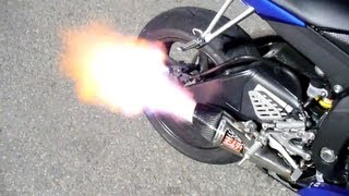 9. 2008 Yamaha R6 with Yoshimura R-55 Full System with baffle removed sound clip HUGE FLAMES!