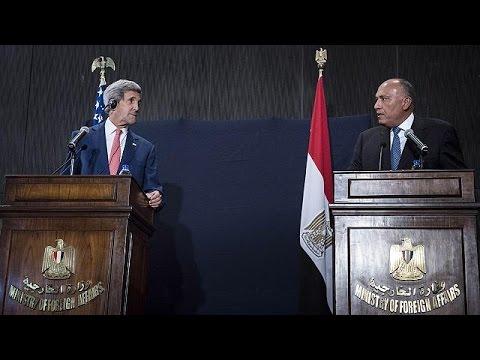 Kerry IŞİD'le mücadeleye destek aramak için Mısır'da