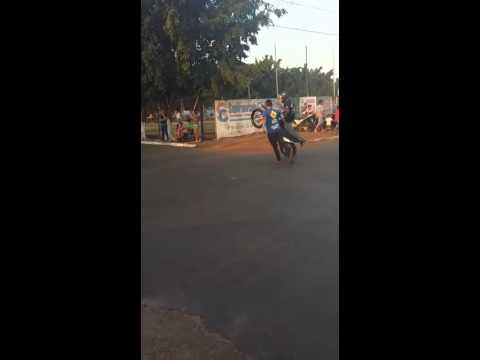 Moto show em colmeia