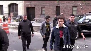 One Direction at letterman showed love to there fans at rehearsals in NYC Cam1 (12-06-12)
