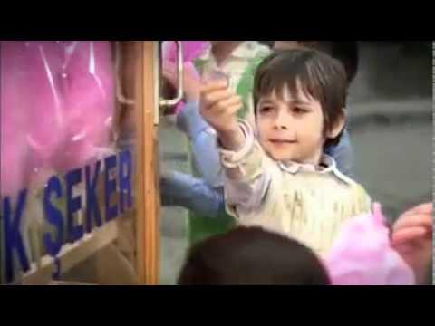 Emir Berke Zincidi - OMO Reklamı Öyle Bir Geçer Zaman Ki`nin küçük Osmanının OMO Reklamı (видео)
